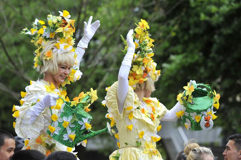 With our fantastic array of stilt performers, walkabout characters and handmade parade floats, our carnival events always deliver in pure spectacle and fun for the whole family.