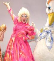 Priscilla the Goose Christmas Panto Show: everybody loves a panto at Christmas! Oh yes they do!